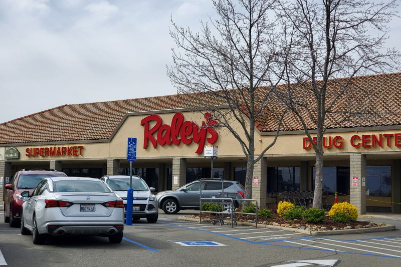 Raley's renovating Citrus Heights store with focus on grocery delivery